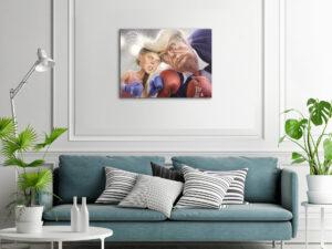 Greta VS Trump poster, hängandes i ett ljust rum ovanför en soffa