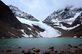 Foto på Tarfala - glaciär i bergig natur.